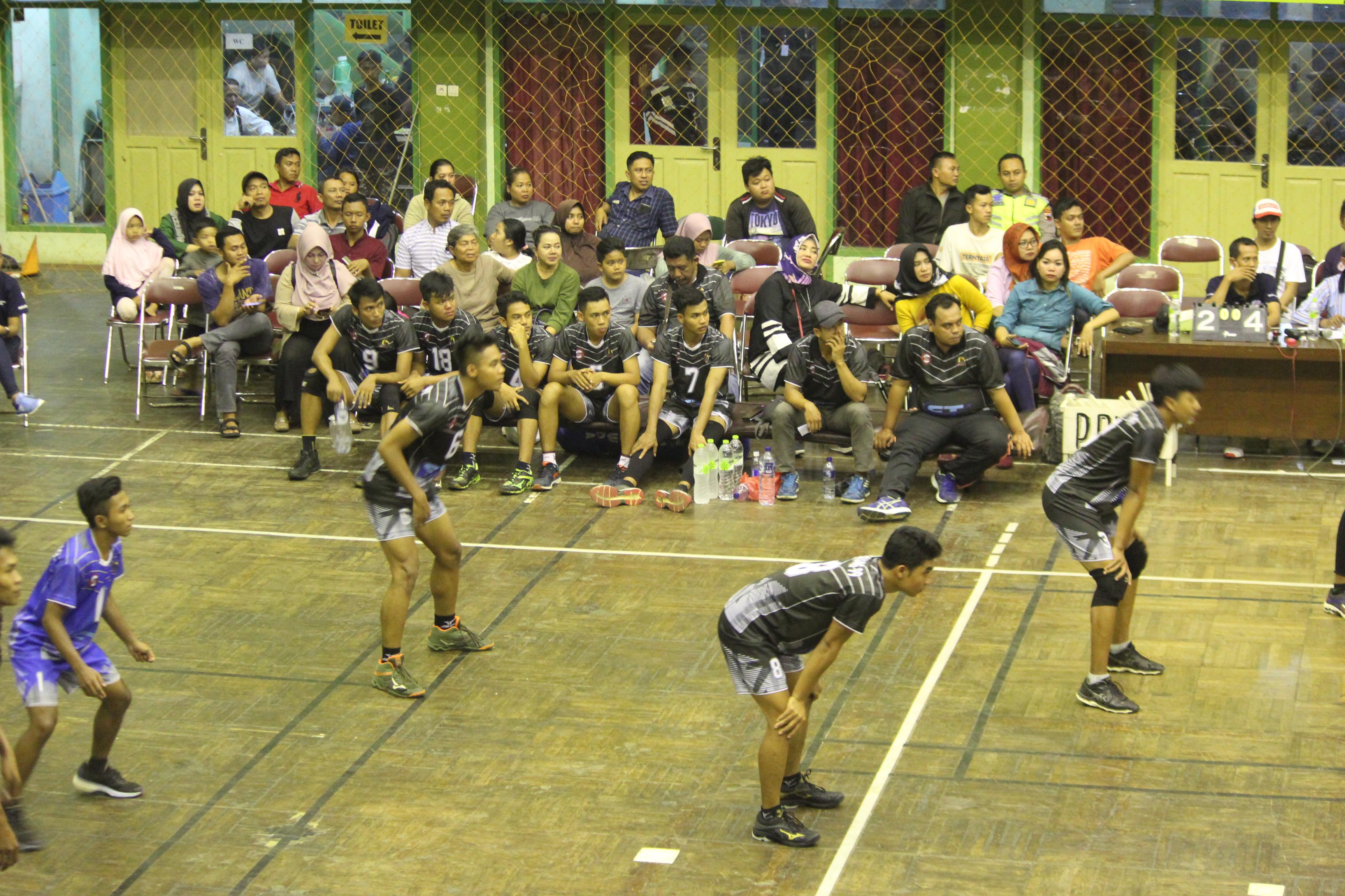 Kemeriahan Turnamen Bola Voli Indoor Kapolres Jepara Cup